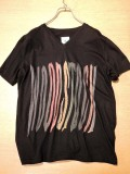 mando・マンド WOODSTOCK プリントTシャツ ブラック 6196−002