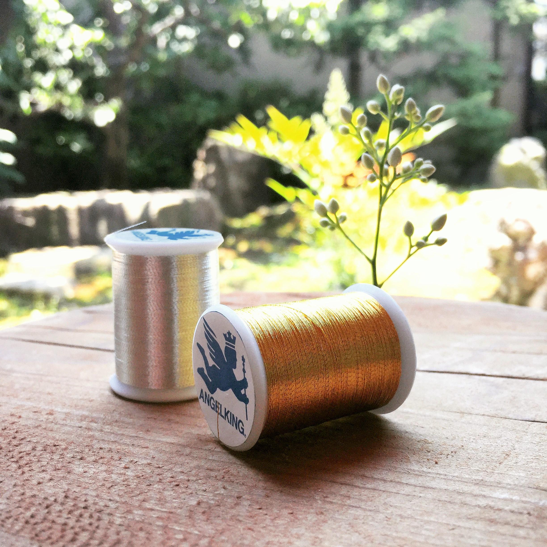 金糸の縫糸(駒巻) 50番手  100m巻 <縫製用金銀糸・家庭用ミシンにも使えるサイズ>