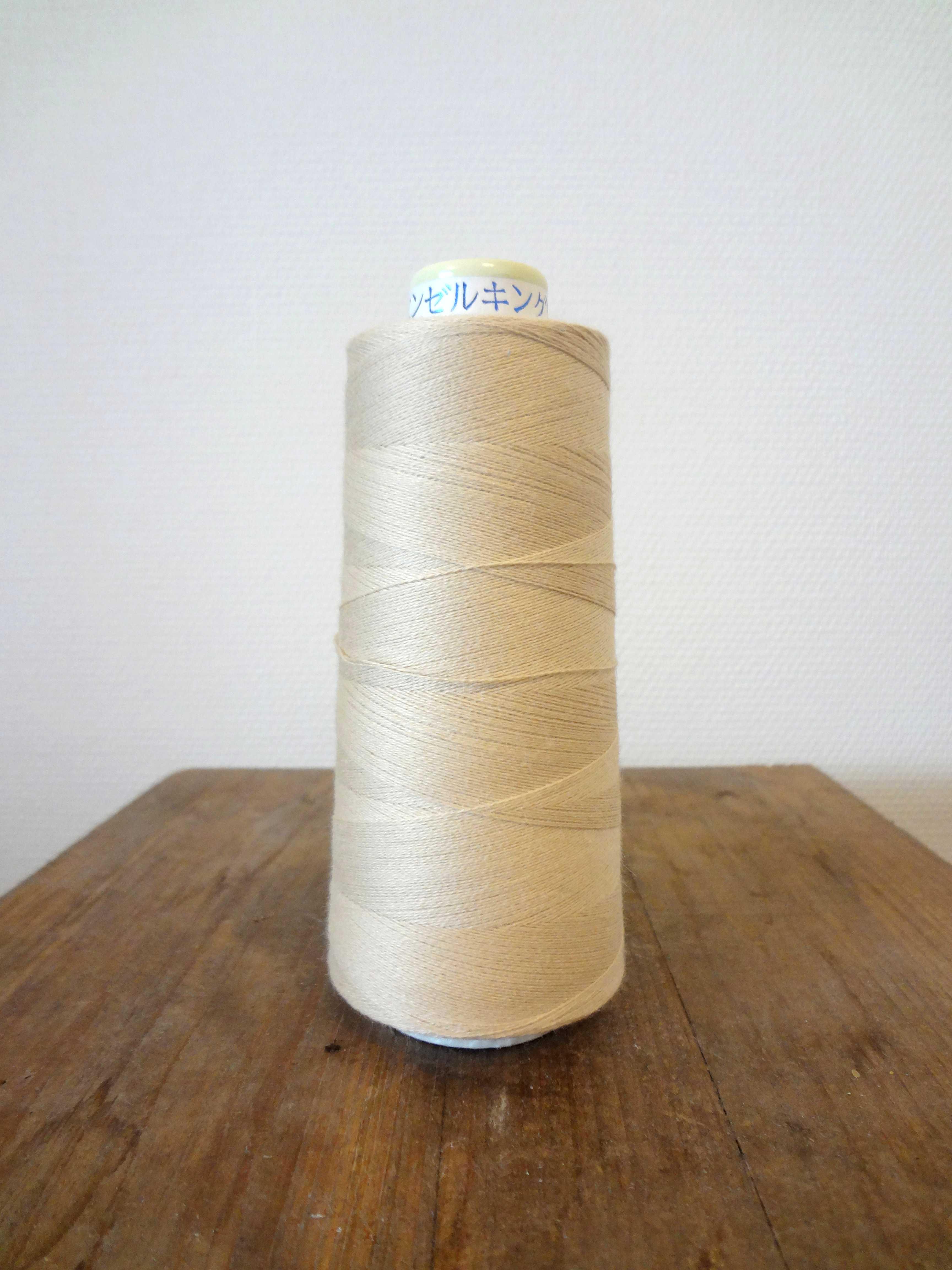 コットンライン#30 綿ミシン刺繍糸 129番(ベージュ)