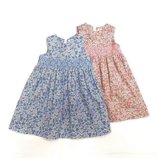 【日本製 子供服】 スモッキング刺繍 花柄ジャンパースカート