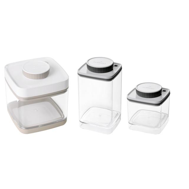 真空保存容器セビア1.5L×1個と真空保存容器ターンシール0.6Lと1.2L×各1個