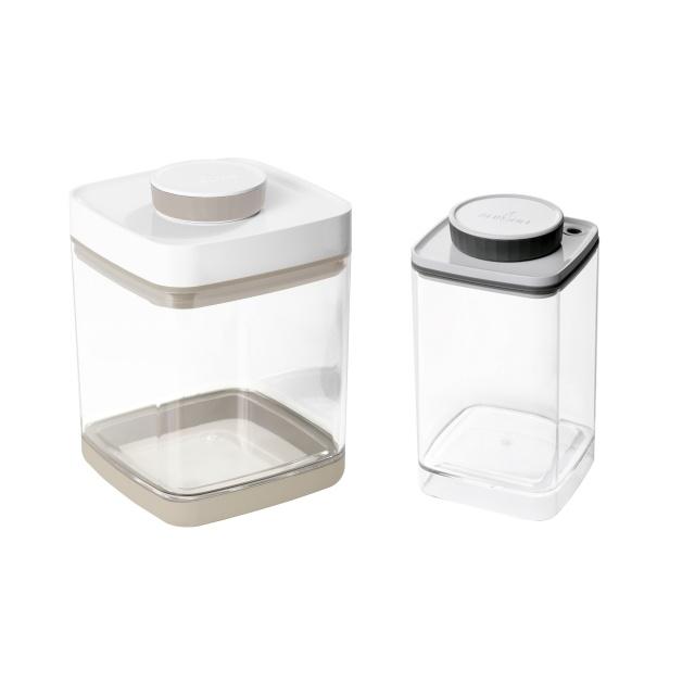 真空保存容器セビア2.4Lと真空保存容器ターンシール1.2L