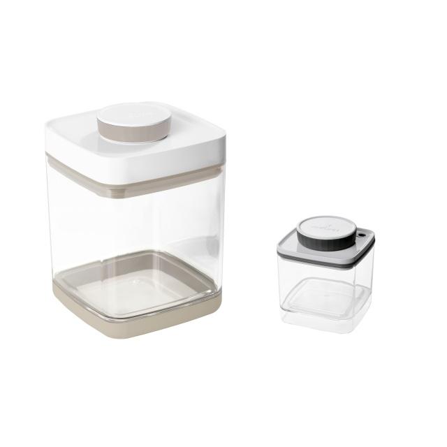 真空保存容器セビア2.4L×1個と眞空保存容器ターンシール0.6L×1個