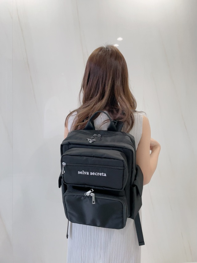 【selva secreta】Square RUCKSACK(black)