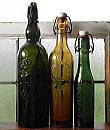 C1049 フランスアンティーク・凸文字ガラスボトル・トリオ