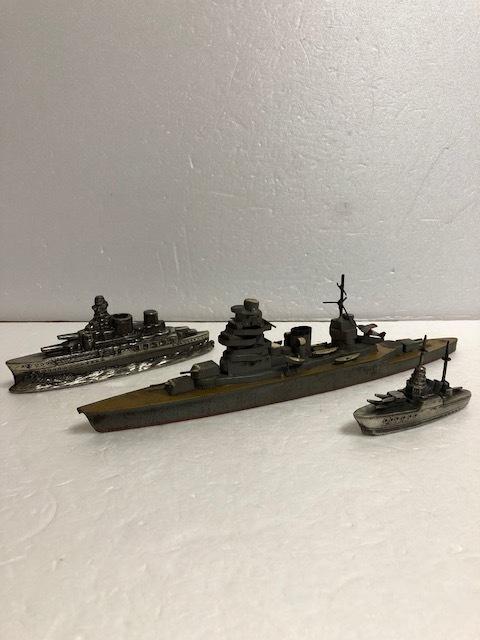 大型☆昭和12年当時☆江崎グリコ 戦艦模型 長門 ながと 長さ 26.0cm 100g 当時物 おまけ ブリキ 現状 【AT441】