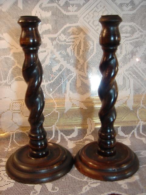 イギリス アンティーク 木製ツイスト キャンドルスタンド 【AW0284】