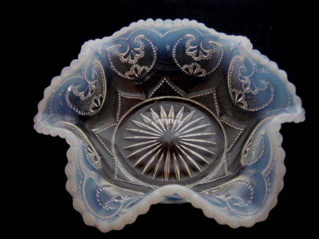 イギリス アンティークガラス ノースウッド社 オパールセント  べりーボウル 【AWG0211】