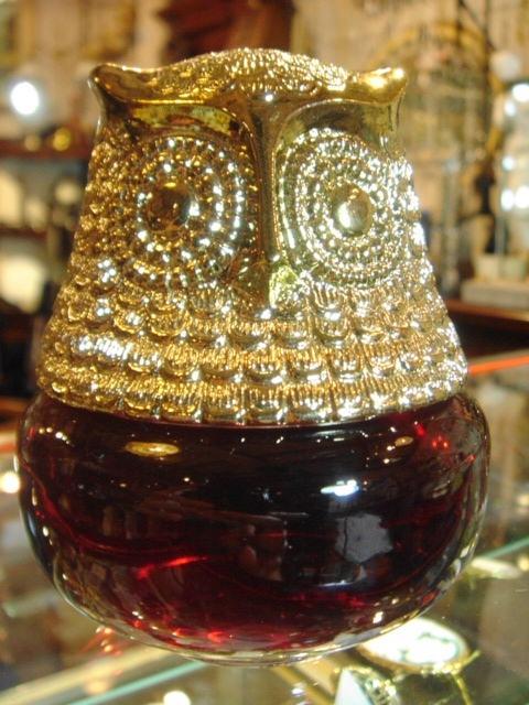 ヴィンテージ AVON ふくろうのガラス製 赤色ジェルの空きボトル 【SA0045】