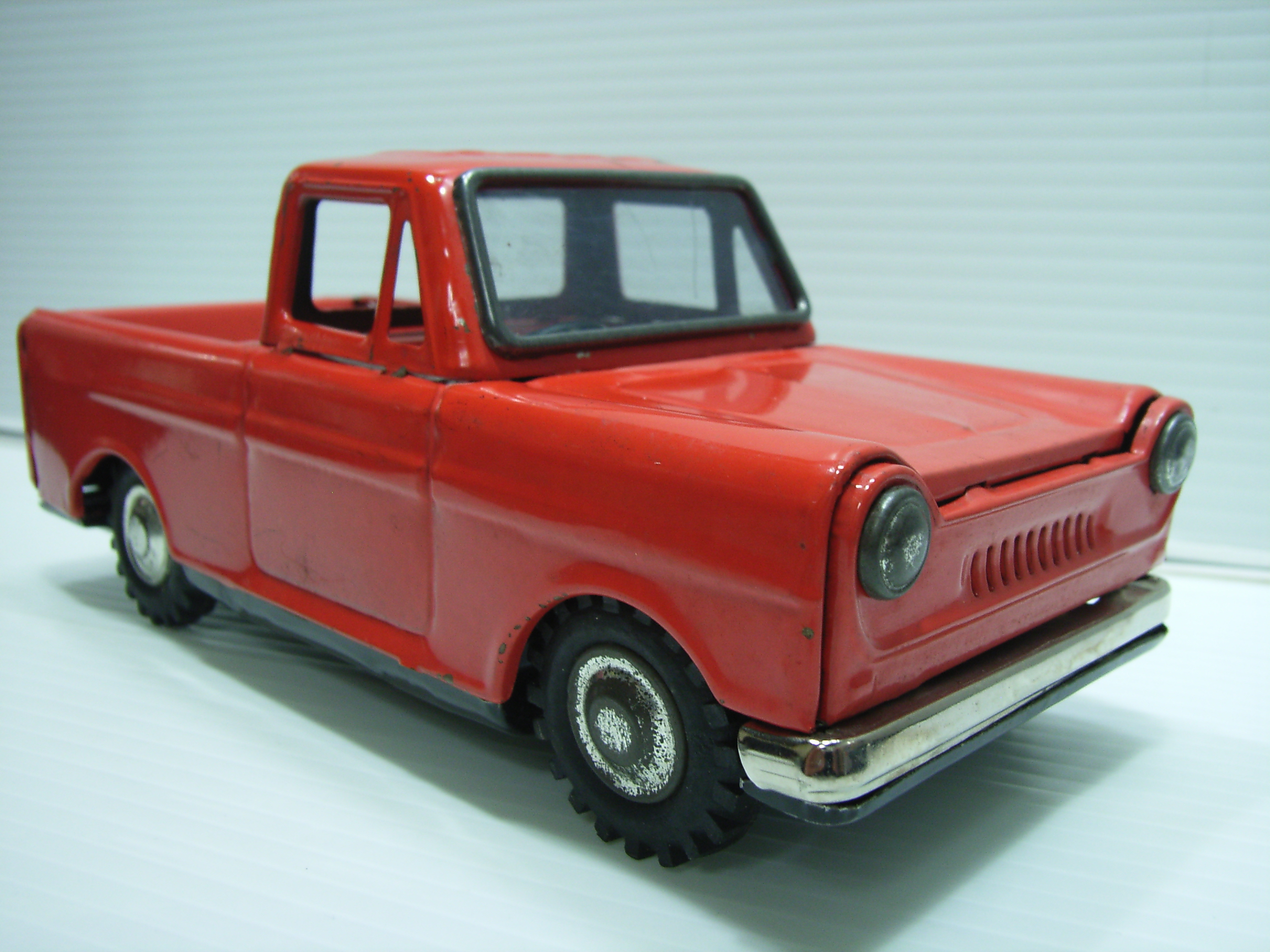 赤 トラック ブリキ自動車 17.2cm 当時物 JAPAN製 フリクション 現状 詳細不明 【TO3236】