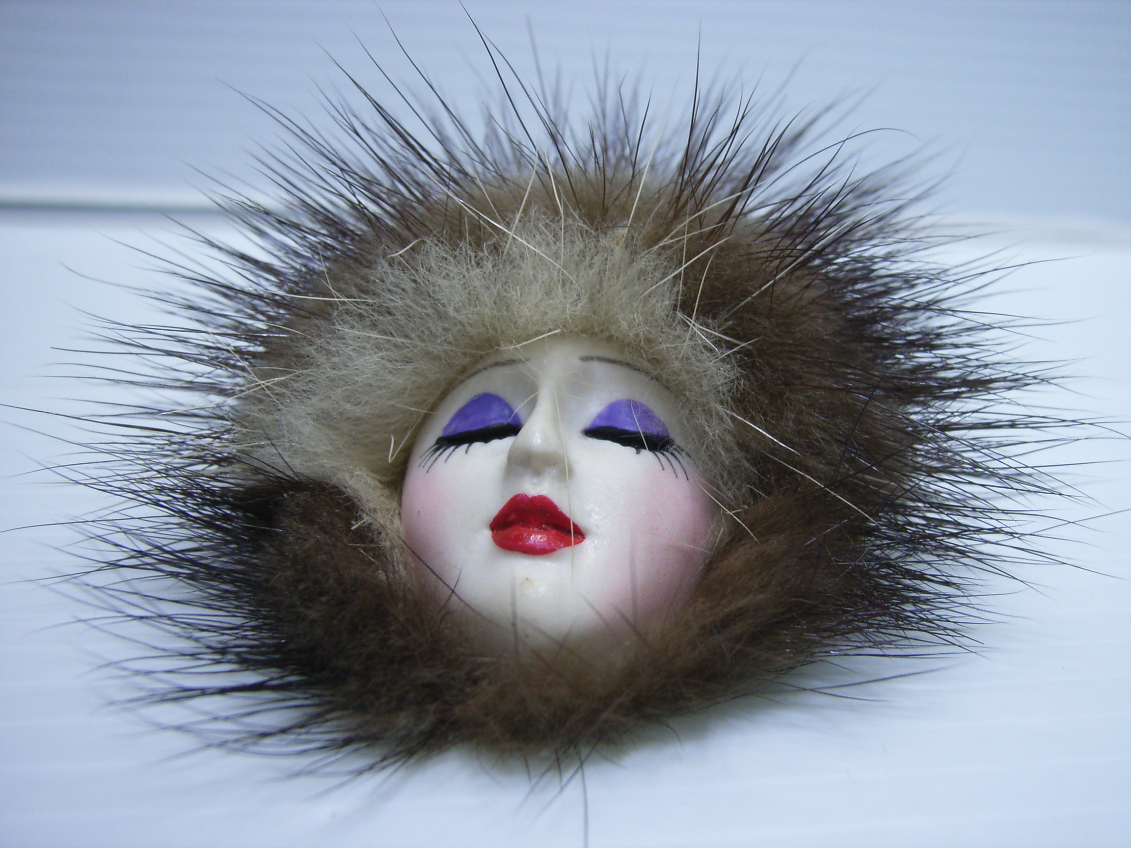 ヴィンテージ モダンガール ビスク 女性の顔 6.7cm 11.7g ブローチ ペンダントヘッド 当時物 現状 【TO3561】