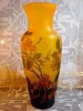 薔薇・ローズ ガレ工房 被せガラス 見事なフラワーベース・花瓶 【NW0016】