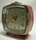 レトロ感あり!セイコー JAPAN 目覚まし時計(赤色) SEIKO 2JEWELS 現状 手巻き 【TO2265】