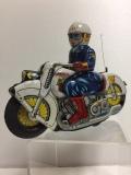 ウサギ屋 ブリキ P.D. オートバイ バイク Vツイン 長さ 21.0cm 190g 当時物 白バイ ポリス JAPAN フリクション 現状 【TO4294】