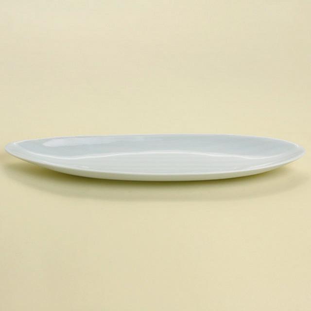 青白磁線彫 楕円皿