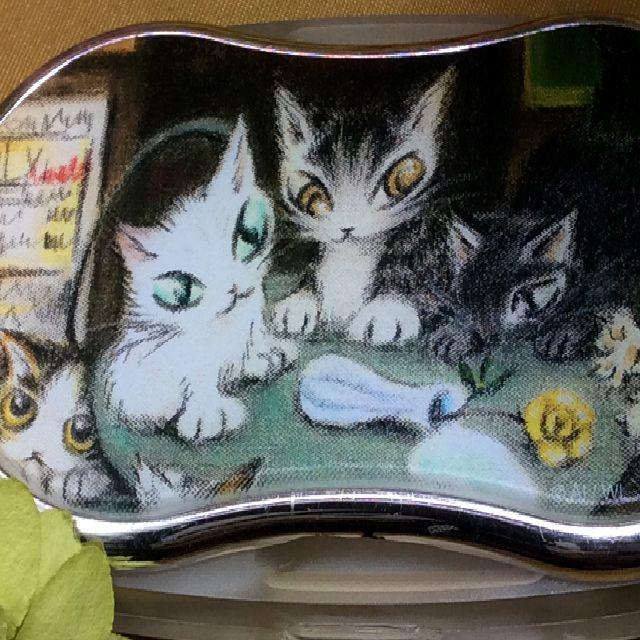 ダヤンのアートなライトルーペパリのカフェのクローズアップ画像