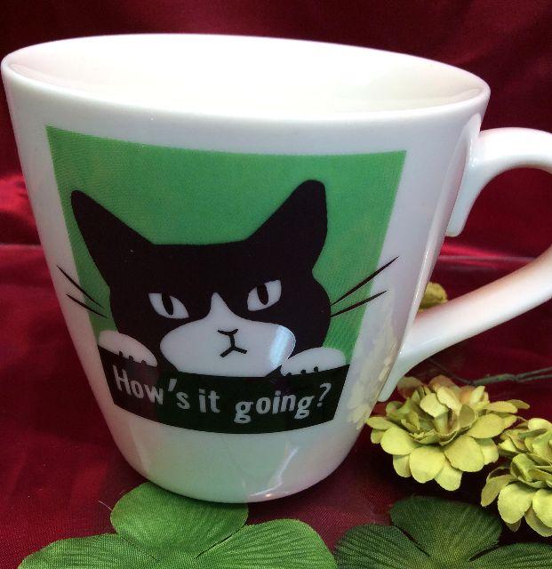 猫の色が変わるマグカップの全体の画像