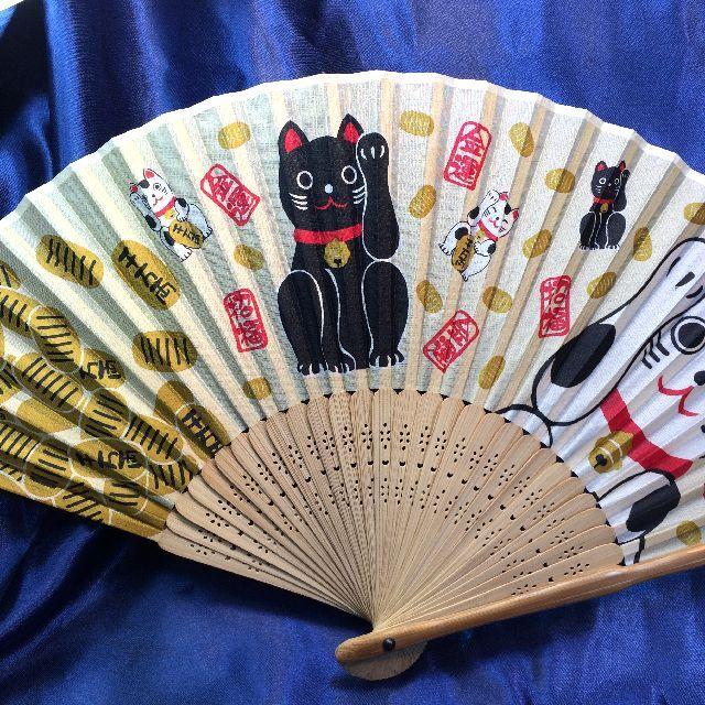 シルクの招き猫扇子の全体画像