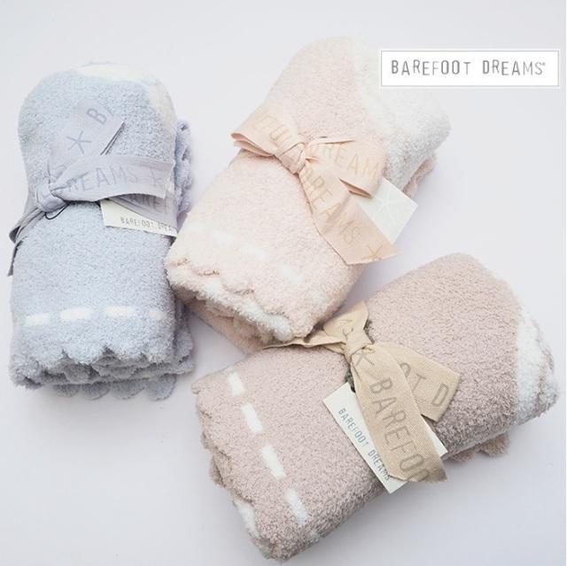 【期間限定販売】BAREFOOT DREAMS ベアフットドリームス スカラップベビーブランケット Scalloped Receiving Blanket 551 9910100108 ギフト 毛布 赤ちゃん用 プレゼント 出産祝い