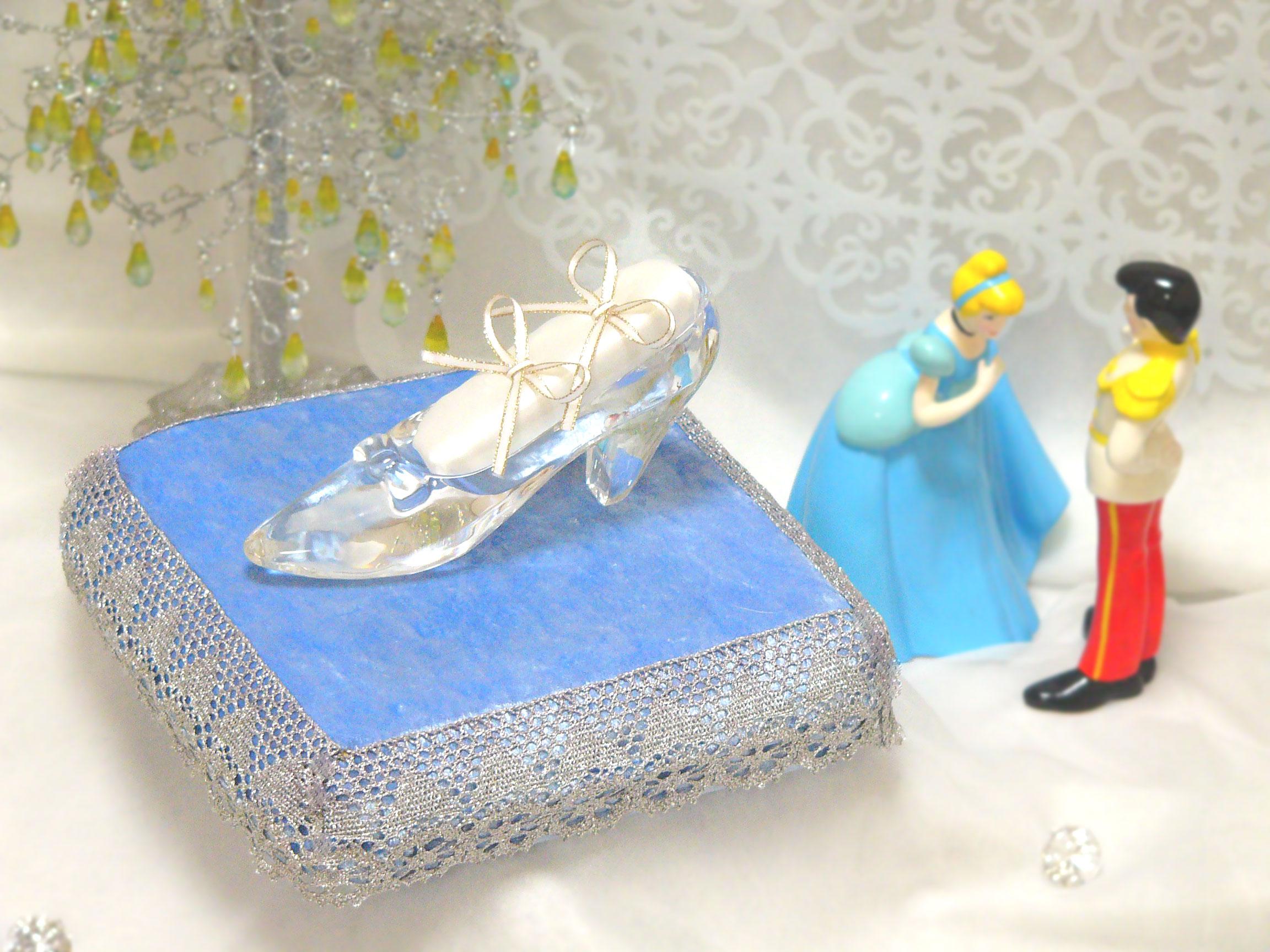 ガラスの靴 オプション リングピロー&シャイニーレース台座セット・ベイビーブルー
