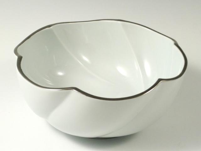 白釉渕プラチナ捻り多用鉢