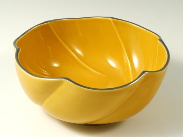 黄釉渕プラチナ捻り多用鉢