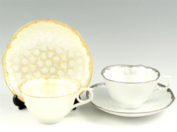 金・プラチナ松葉吹ラスター輪花型 ペアコーヒーカップ&ソーサー