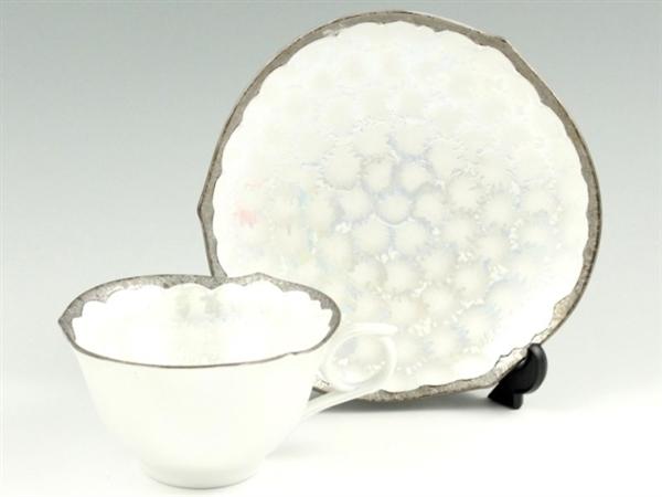 プラチナ松葉吹ラスターシルバー輪花型 コーヒーカップ&ソーサー