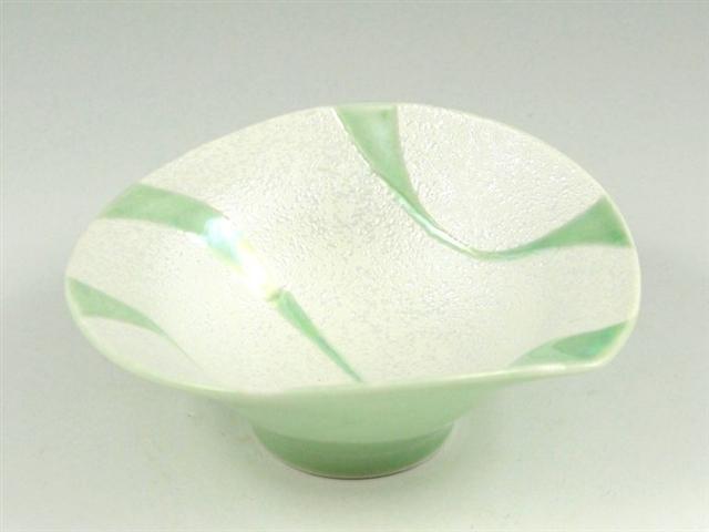緑青白釉流水ラスター 朝顔型中付