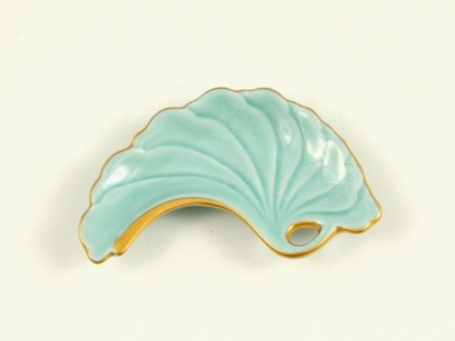 青磁釉金 銀杏型手塩皿