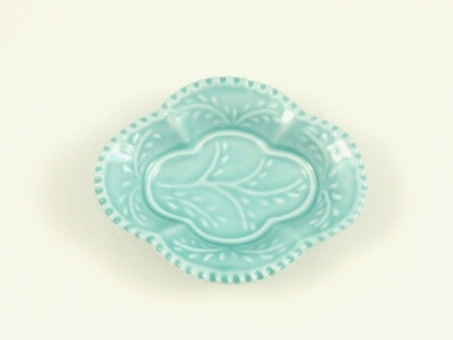 青磁釉 木瓜型手塩皿