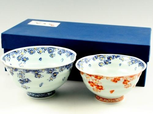 桜散し手作り 組茶碗