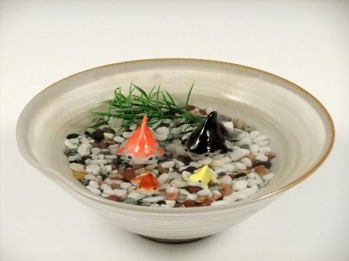 金魚2・ミニ金魚2・粉引鉢(大)セット(小石付)