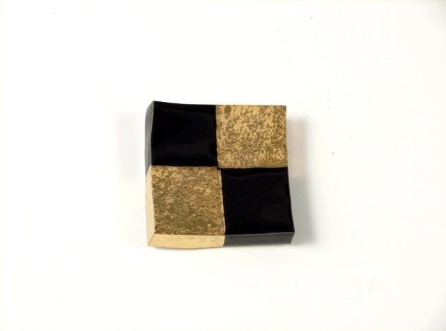 黒釉金市松 正角箸置