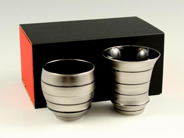 【有田焼 匠の蔵】 銀独楽 ペア(丸・反)SAKE GLASS(日本酒グラス)<オリジナル>