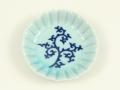 青磁釉見込唐草 菊花型3手塩皿