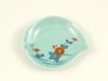 青磁菊花文 桃型手塩皿