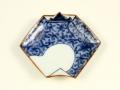 染付濃唐草 折紙型手塩皿