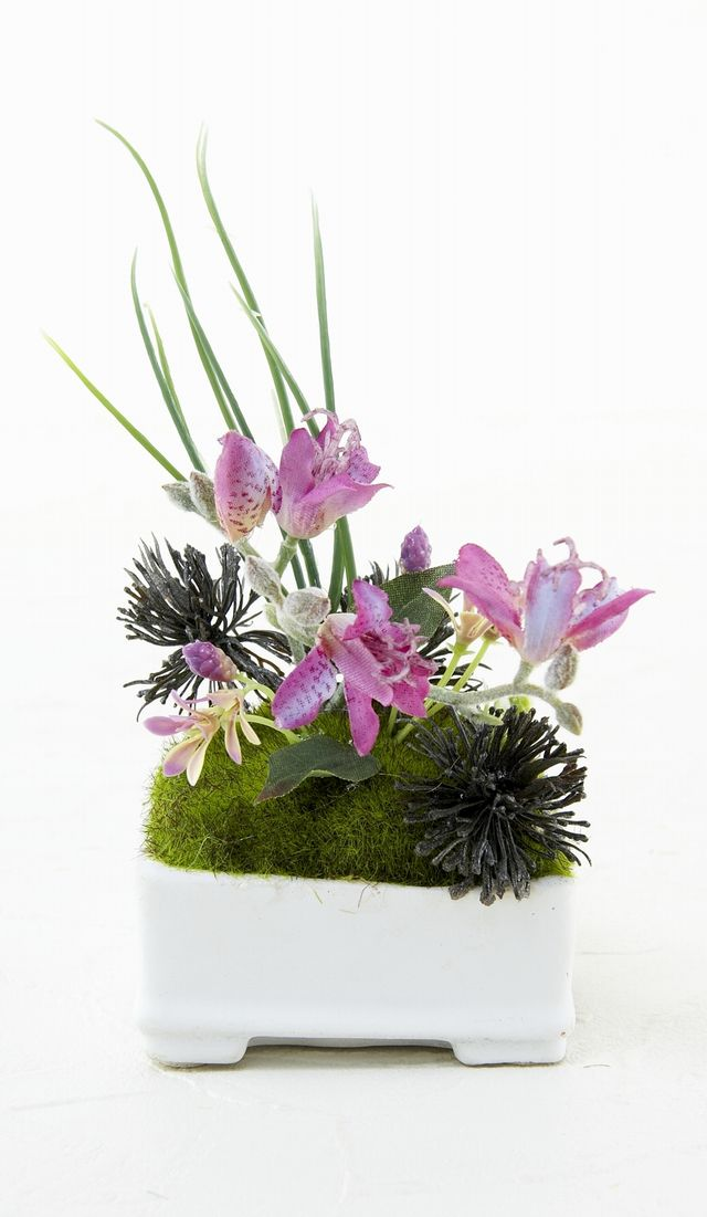 【造花 観葉植物】苔玉・山野草アレンジK(角型花器)