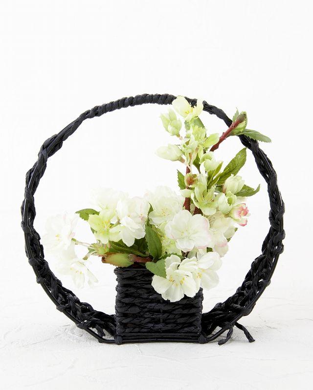 【造花カゴアレンジメント】バラとカーネーションのナチュラルバスケット