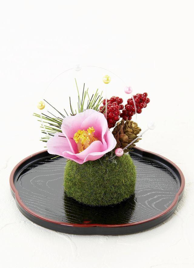 【造花・お正月向け・苔玉アレンジメント】淡紅椿