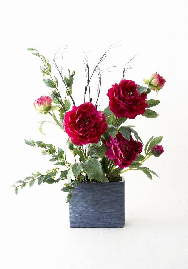 【造花・和モダン・和風アレンジメント】牡丹と緑式部のジャパニーズモダンアレンジメント