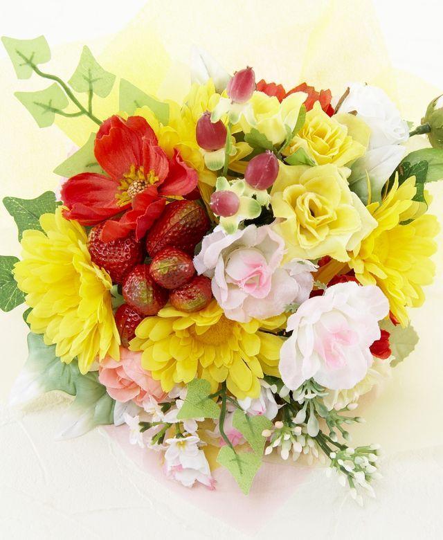 【造花花束&トスブーケ/2wayタイプ】ストロベリーとバラ&ガーベラ/イエローポップ