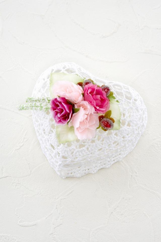 【アートフラワーレースボックス】ローズ&ベリー(ピンク系・ハート型小物入れ)