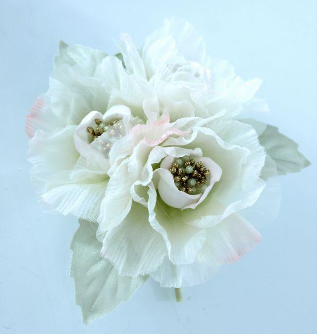 【アートフラワー・染花 コサージュ】ローゼのコサージュ(ホワイト)