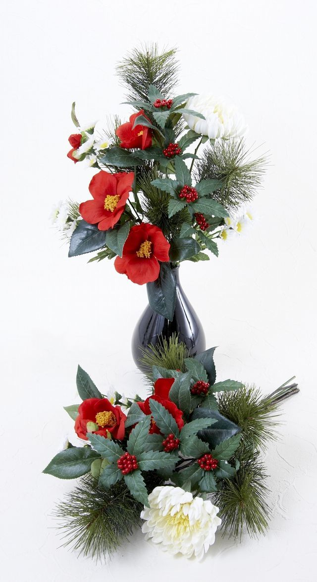 【造花 お正月・迎春用 供花】椿&千両の供花(左右1対セット)