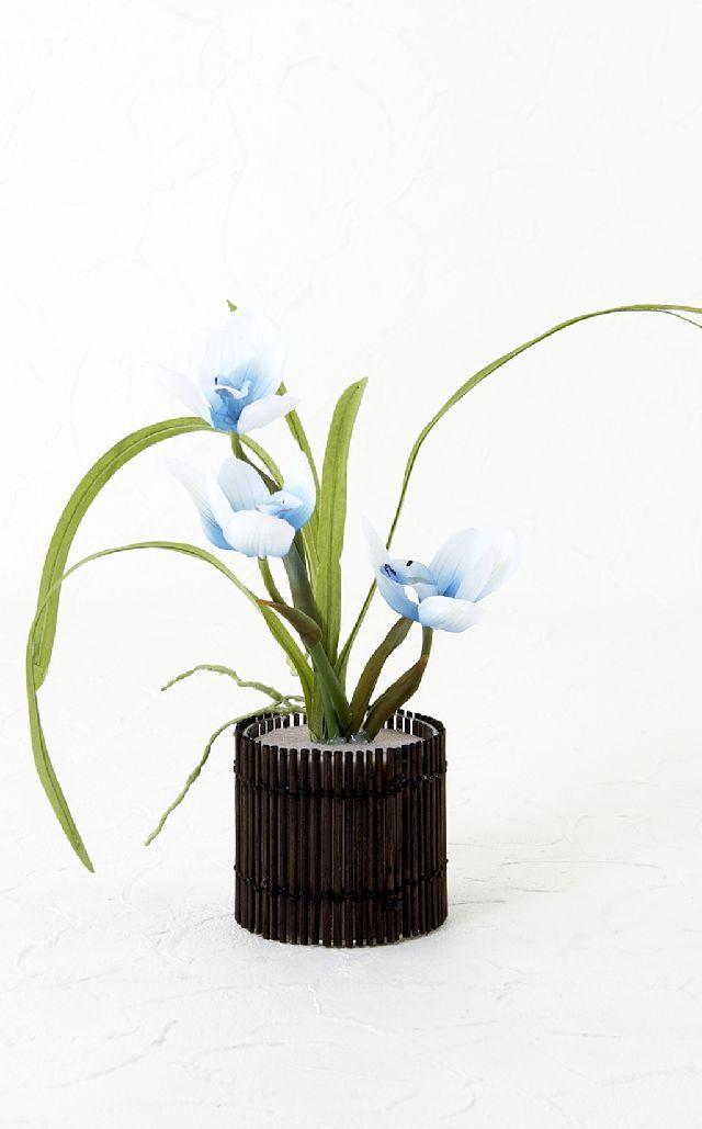 【造花・和風・ジャニーズモダン】春蘭のアレンジメント