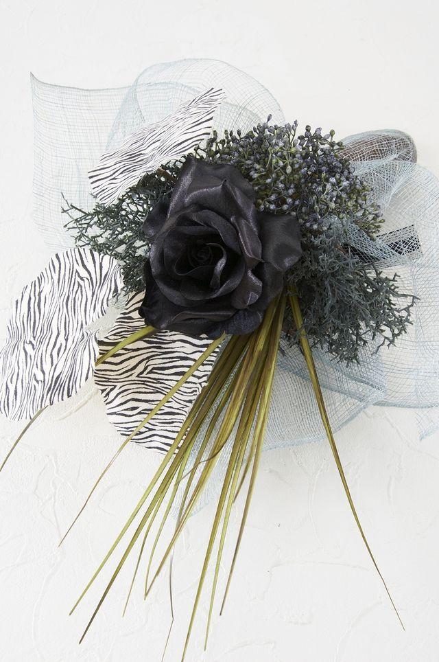 【アーティフィシャルフラワー インテリアブーケアレンジ 】ブラックローズとゲイラックスの花束風アレンジメント