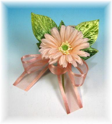 ガーベラのコサージュ(ピンク)