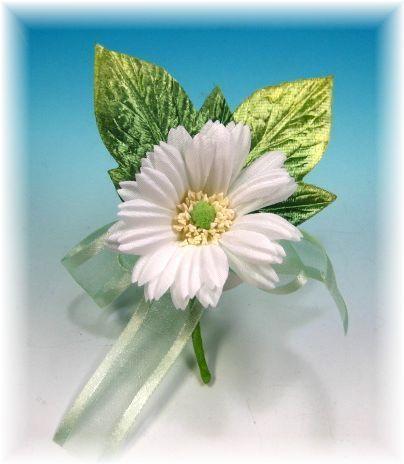ガーベラのコサージュ(ホワイト)